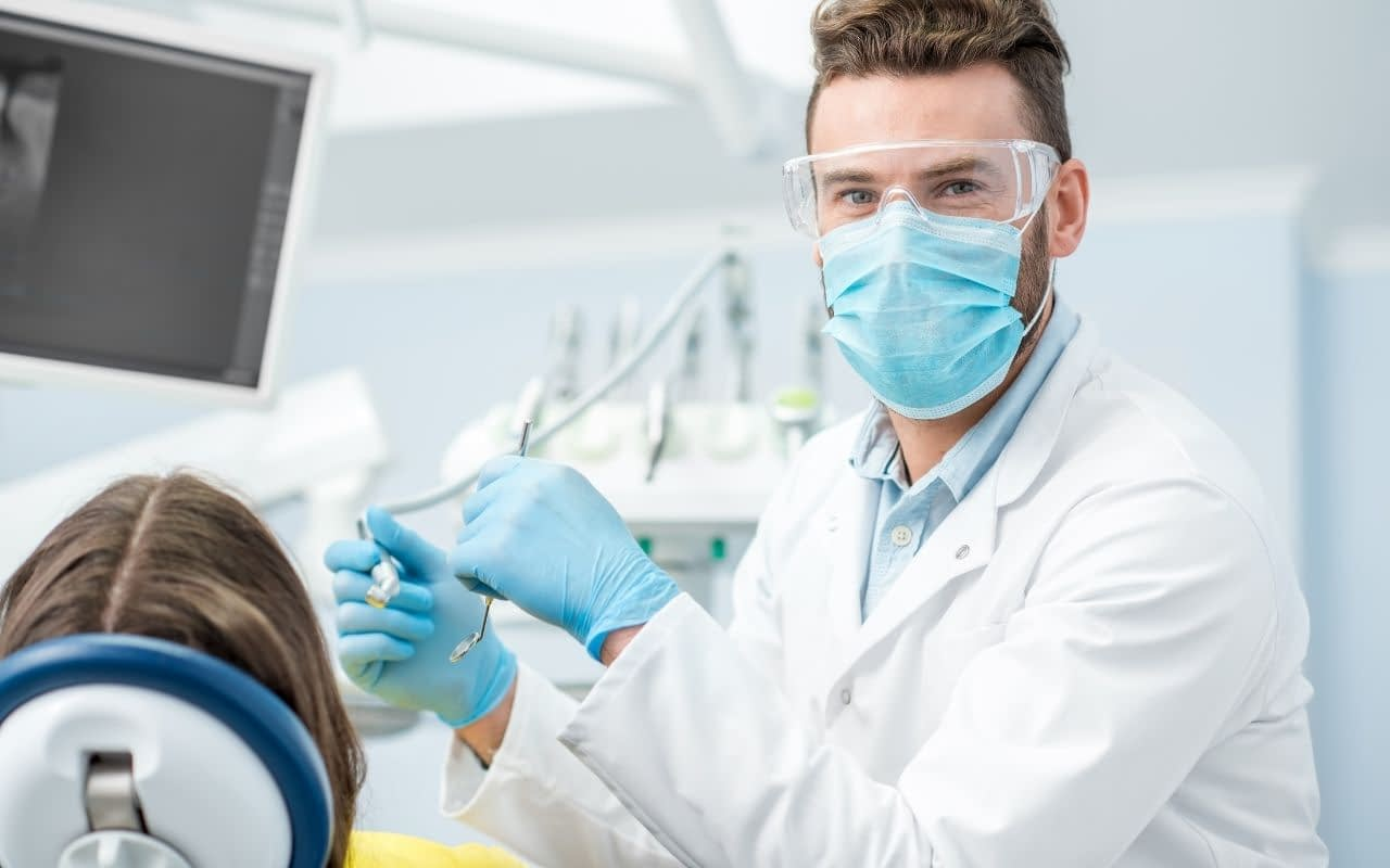 dentist-Li-Family-Dental