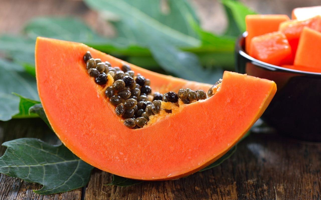 papaya-helps-whiten-your-teeth-Li-Family-Dental