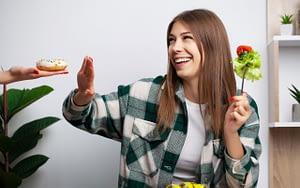 healthy-diet-6-easy-oral-health-goals-for-2021-Queensway-Dentist