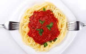 Tomato-based-sauce-foods-that-damage-teeth-Etobicoke-Dentist