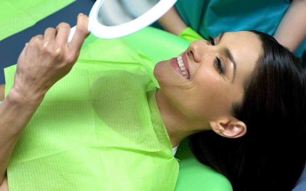 Myth-cosmetic-dentistry-hurts-Li-Family-Dental