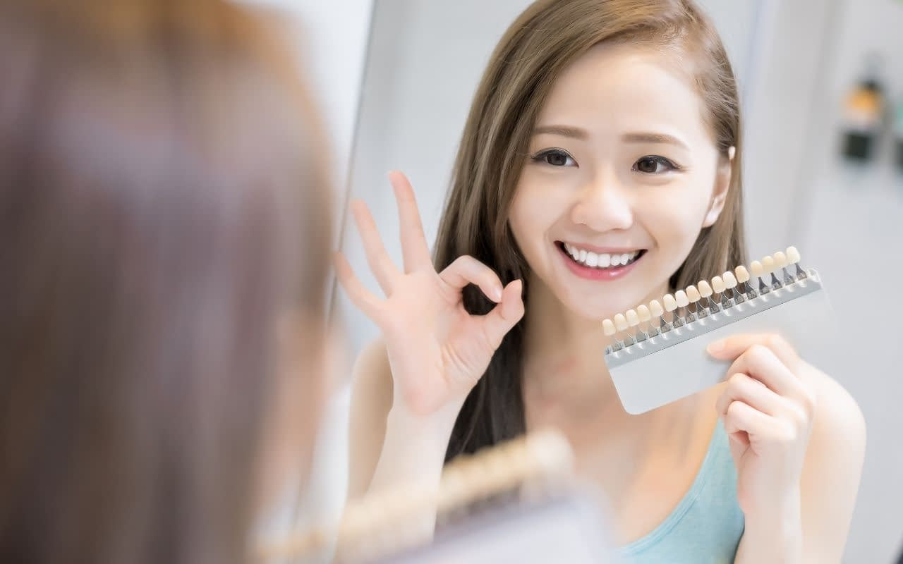 reduce-staining-and-teeth-yellowing-by-proper-oral-hygiene-Li-Family-Dental