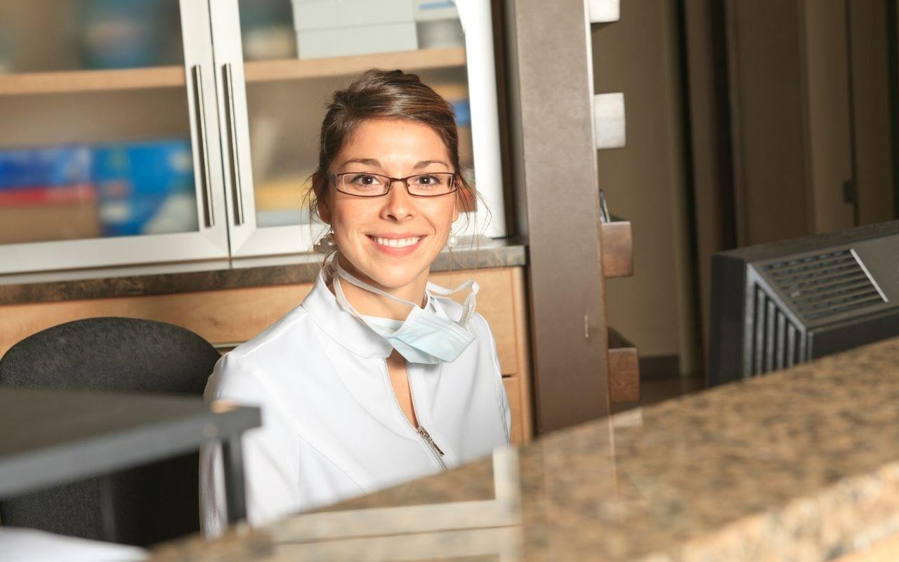 dental-office-receptionist