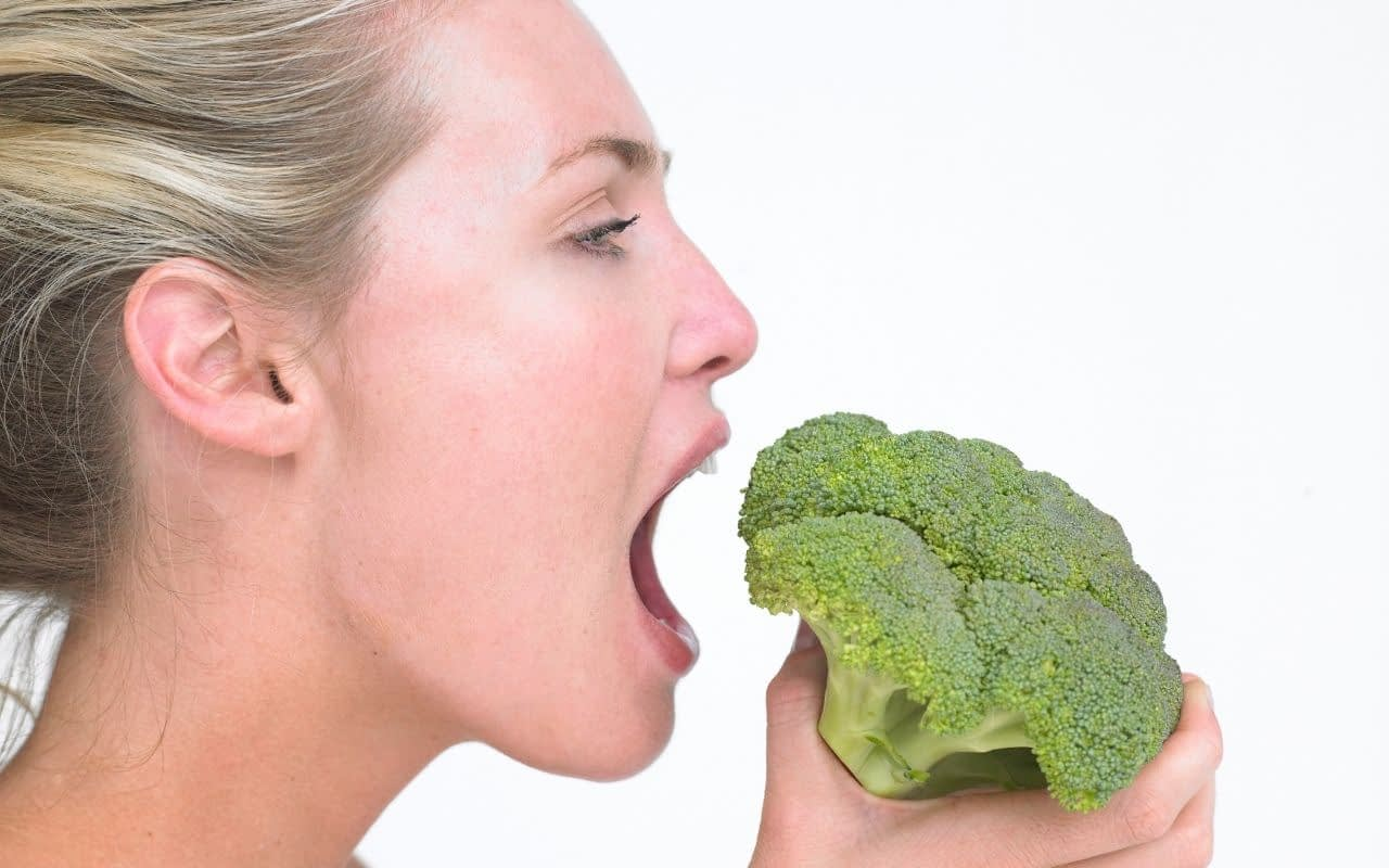 raw-broccoli-helps-whiten-teeth-Etobicoke-Dentist
